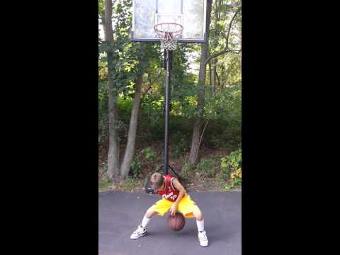 WORLD'S FASTEST 11 YEAR OLD SPIDER DRIBBLER