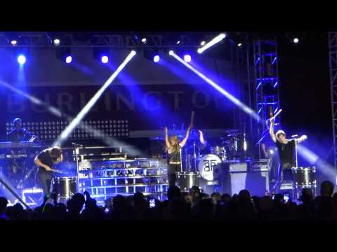 """The Band Perry """"Better Dig Two"""" Burlington Steamboat Days"""