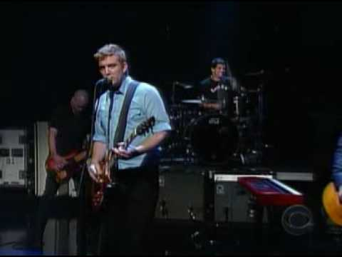Queen of the Stone Age - No One Know (live Letterman Show)