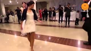 Düğünde çılgınca Dans Eden Kadın :)