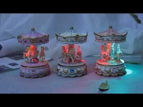 Beautiful Carousel/Merry Go Round Music Boxes (Castle in the Sky)