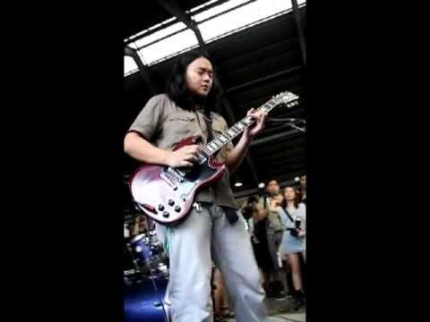 Lupang Hinirang (Philippine National Anthem) by Kakoy Legaspi @ Rock the Riles 2011 MRT Shaw Station