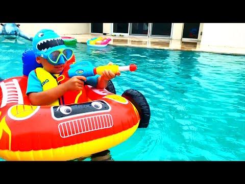 Сеня отправляется в Отпуск и плавает в Бассейне