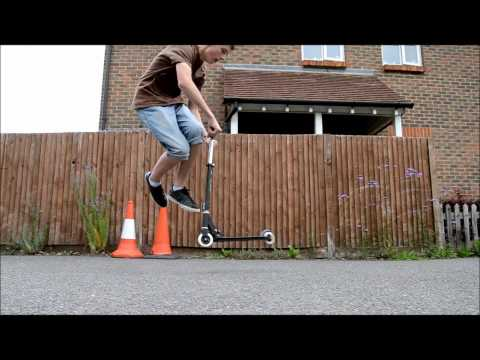 Scooter Tailwhip (Slow Motion)