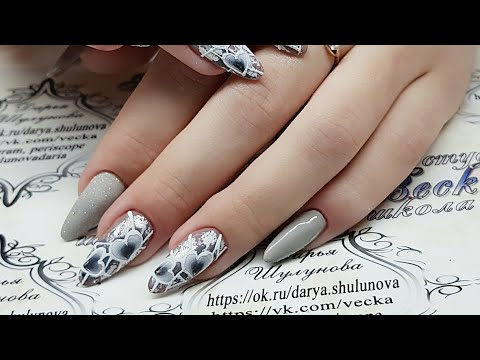 design of nails. Valentine's Day. Design by February 14. Hearts on nails