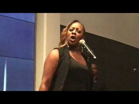 Le'Andria Johnson New song live