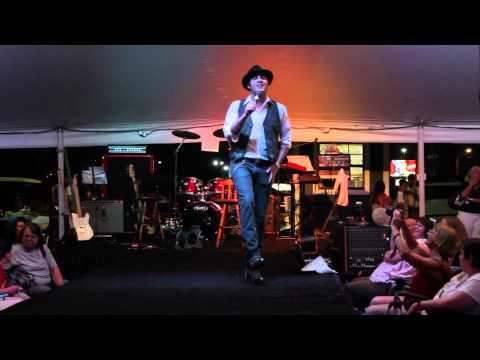 Cody Slaughter Elvis Sings 'Pocket Full Of Rainbows' Elvis Week 2014 (video)