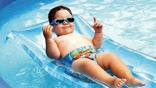 ВОТ ЭТО НЫРЯЕТ! обучение плаванию грудничка