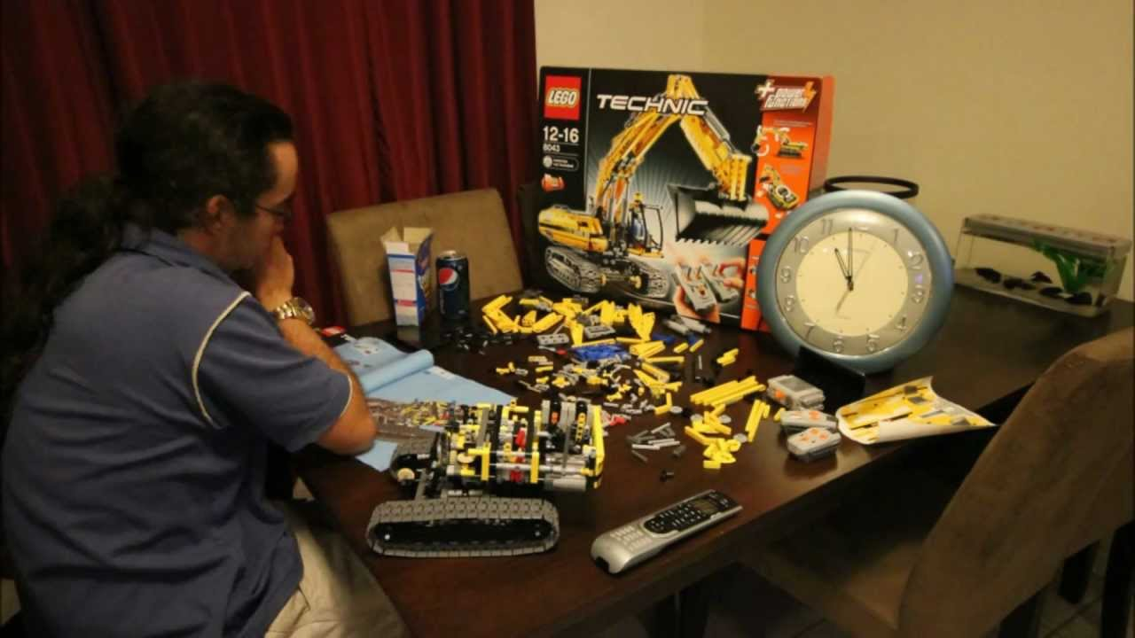 LEGO Technic 8043 Motorized Excavator - YouTube