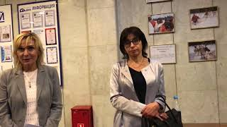 видео Подсчет числа избирательных бюллетеней в переносных ящиках для голосования
