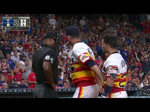 TEX@HOU: Altuve gets ejected after arguing strikeout
