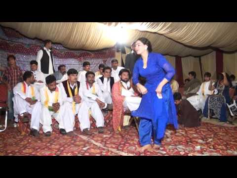 Chitta Chola BeautiFull Gril Dancing On SHADI MUJRA SAITH AAMIR SHAHZAD CHAK 66 N.B SARGODHA