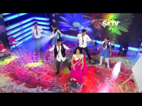 bd sex bomb model nusrat faria saree navel dance