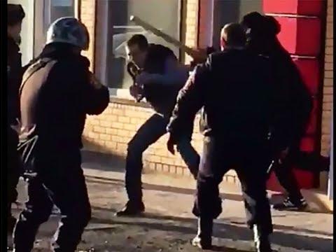 Сотрудники полиции Росгвардии обезвредили ненормального ростовчанина с ножом