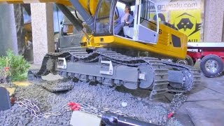 RC TRANSPORT!  THE BROKEN TRACK FROM LIEBHERR 956