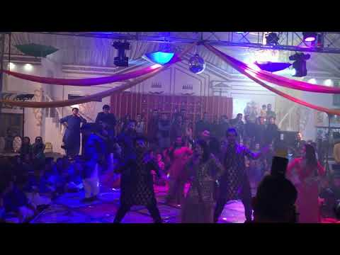 Faizan Shaikh's And Maham Aamir's Mehndi Dances