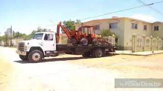 Traslado de zanjeadora DITCH WITCH R-40.