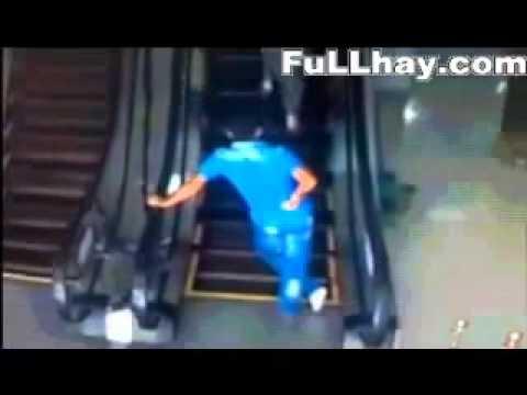 cười bể bụng Lần đầu tiên đi thang máy.flv
