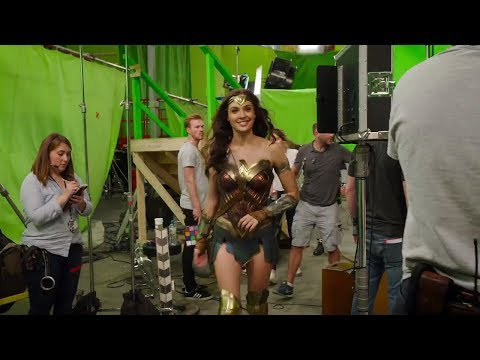 Download Youtube: Wonder Woman Behind the Scenes(BTS) & Bloopers - Gal Gadot - 2017