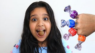 طفلة تعلم الالوان بالشوكولاتة !!!