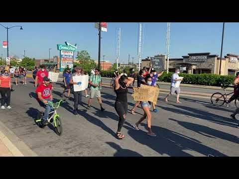 Peaceful protest briefly closes Harlem and Cermak, June 2, Part 1 2020