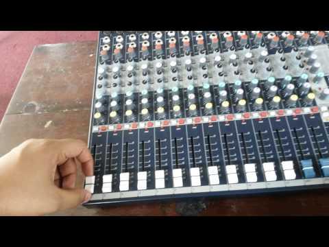 Soundcraft efx 12 audio mixer