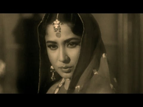Meena Kumari's sparkling beauty -  Hindi...
