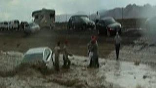 Raw: Nevada Flash Flood Sweeps Cars Away