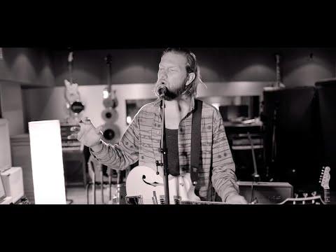 Alexander Wolfe - Oslo (Live at Dean St Studios)