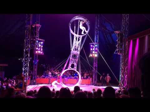 Wheel of death planet circus cris and rigo