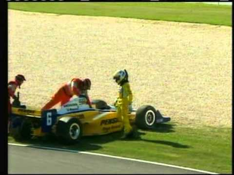 2011 Indycar Birmingham - Ryan Hunter-Reay takes out Ryan Briscoe
