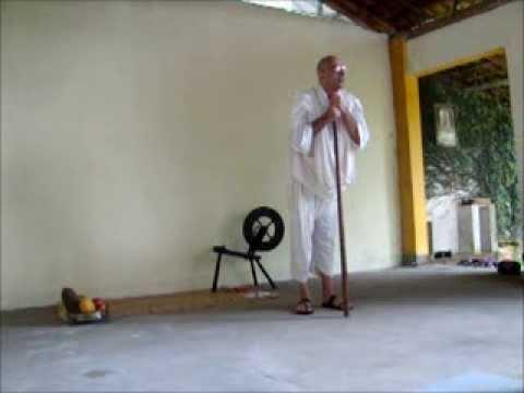 Teatro Gandhi, Um Líder Servidor por João Signorelli em JAGAT