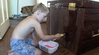 Cute 4yr Old Kid -  Building His Own Toy Box - Sony Cyber-shot Dsc-h55