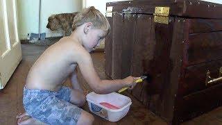 Cute 4yr Old Kid -  Building His Own Toy Box - Sony Cyber-shot Dsc-h55
