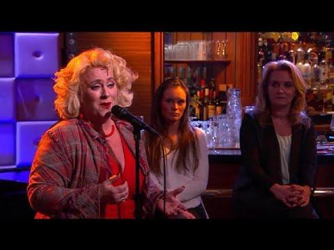 Karin Bloemen zingt We'll Meet Again  - RTL LATE NIGHT