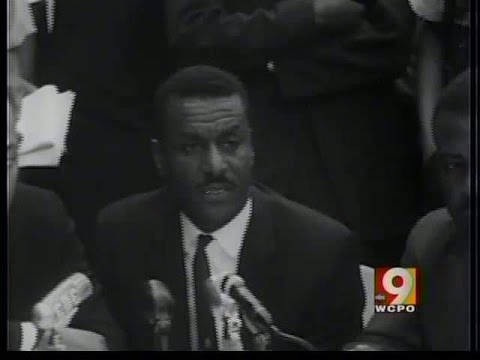 Civil rights activist Fred Shuttlesworth dies at 89
