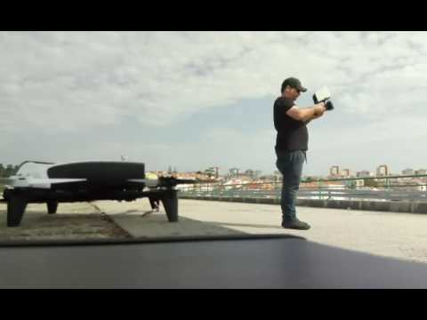 Live facebook video flying Parrot Bebop 2 Drones