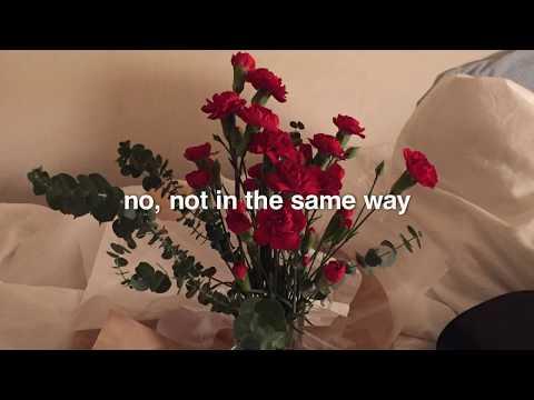 Arctic Monkeys - A Certain Romance (lyrics)