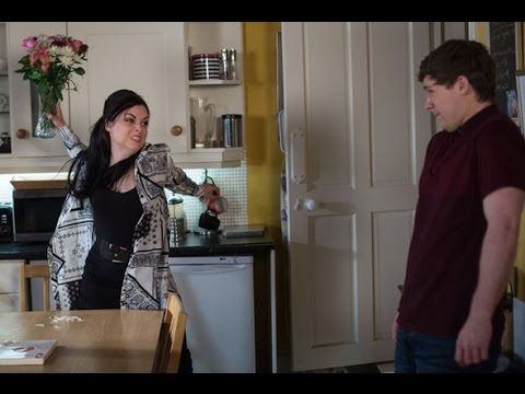Eastenders - Lee Carter Returns From Being Arrested For Robbery - Monday 26th December 2016