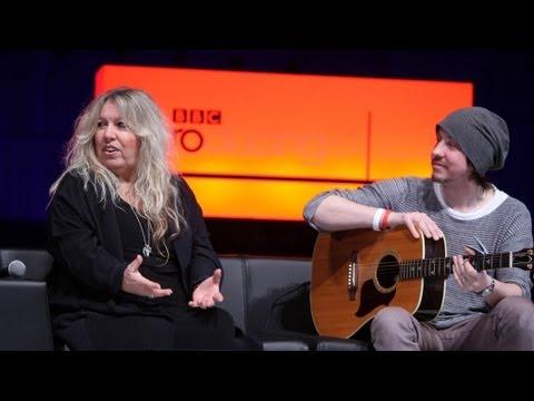 Judie Tzuke shares her songwriting tips with Bob Harris
