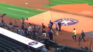 Aaron Judge and Yankees arrive for ALCS Game 6
