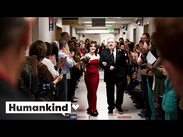 Nurses and staff create perfect wedding in hospital | Humankind