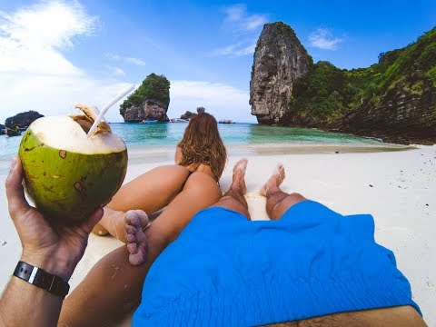 HOW IT REALY LOOKS ON PHI PHI ISLAND | THAILAND