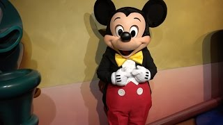 Meeting talking mickey mouse at town square theater in magic kingdom 4k mickeys house and meet mickey 2014 pov disneyland resort california m4hsunfo Images