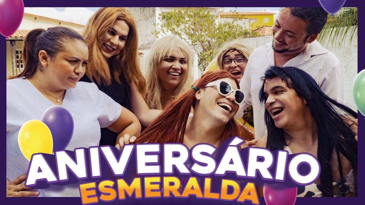 Download ANIVERSÁRIO DA ESMERALDA NA PISCINA!