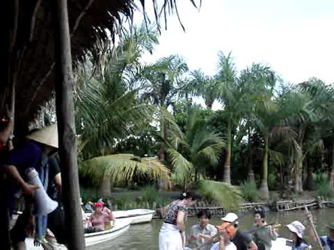 2010-04-MyKhanh-Boat race_2