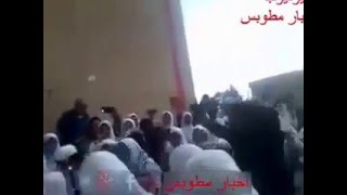 عيد الأم في المدارس «على واحدة ونص»  فيديو