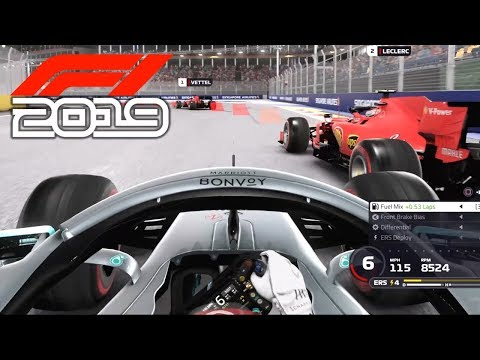 F1 2019 EXCLUSIVE Gameplay & HIGHLIGHTS - Race in SINGAPORE with Lewis Hamilton (F1 2019 Mercedes)