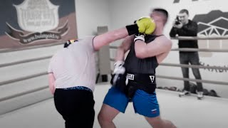 Снова нахватал по голове от боксера / Дацику меняют технику бокса / За дело взялся новый тренер