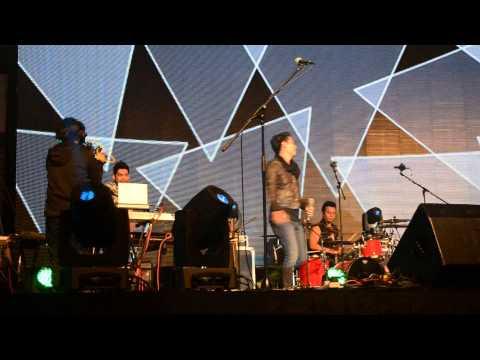 COBALAH - HIJAU DAUN Live in Hongkong